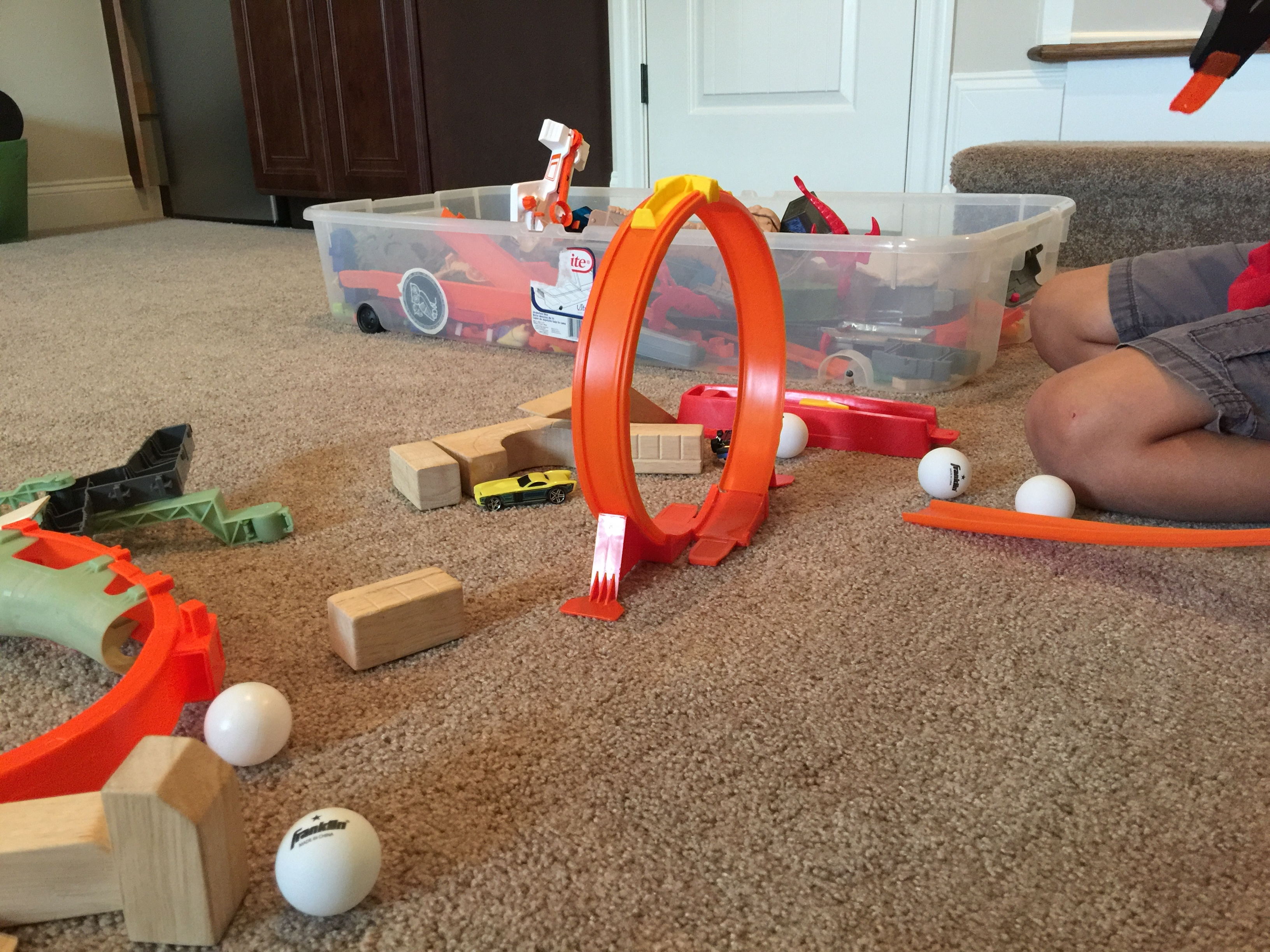 Why is that ball rolling? A Simple STEAM project